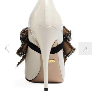 9639b1df93b Gucci Shoes - Gucci magnolia white heels